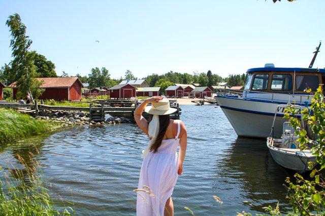 Tyttö ja Tammion satama