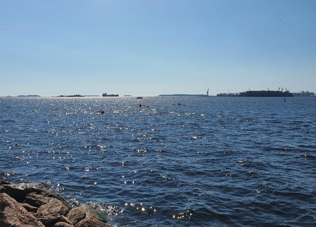 Kesäinen merimaisema